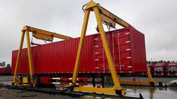 轨道式集装箱龙门吊