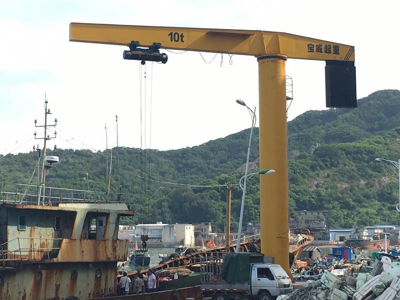 江苏宝威起重-超大规格柱式旋臂起重机(电动)