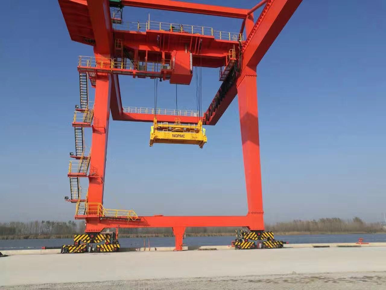 江苏宝威起重-港口运输行业起重机